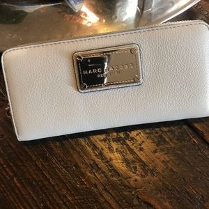 Marc Jacobs zip up continental leather wallet
